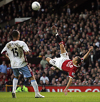 Photo: Paul Thomas.<br /> Manchester United v Aston Villa. The FA Cup. 07/01/2007.<br /> <br /> New boy Henrik Larsson of Man Utd tries an overhead shot at goal.