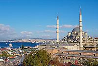 Turquie, Istanbul, la mosque Yeni Cami dans le quartier Eminonu // Turkey, Istanbul, Yeni Cami mosque, Eminonu neighbourhood