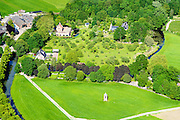 Nederland, Utrecht, Gemeente Woerden, 10-06-2015; Huis Harmelen, voormalig kasteel , 20e eeuwse herbouw. Duiventil in de voorgrond.<br /> 20th century reconstruction of Harmlen mansion. <br /> luchtfoto (toeslag op standard tarieven);<br /> aerial photo (additional fee required);<br /> copyright foto/photo Siebe Swart