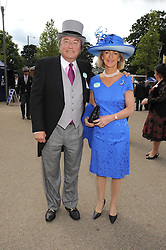 DAVID MELLOR and PENNY, VISCOUNTESS COBHAM at the 1st day of the 2008 Royal Ascot racing festival on 17th June 2008.<br />