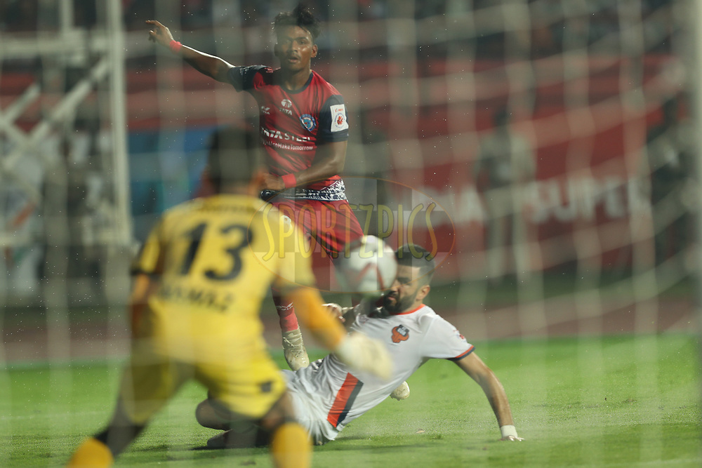 Gourav Mukhi of Jamshedpur FC shoots during match 25 of the Hero Indian Super League 2018 ( ISL ) between Jamshedpur FC and FC Goa held at JRD Tata Sports Complex, Jamshedpur, India on the 1st November  2018<br /> <br /> Photo by: Ron Gaunt /SPORTZPICS for ISL