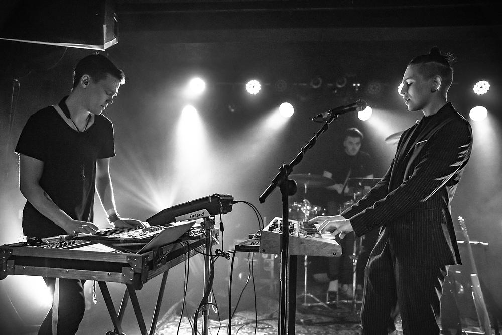 Icelandic indie-electro band Vök at Zoom Club in Frankfurt