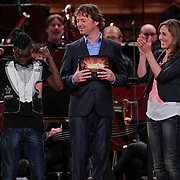 NLD/Haarlem/20121002- Opname AVRO's programma Maestro, presentator Frits Sissing, deelnemers Brecht van Hulten en Kleine Viezerik