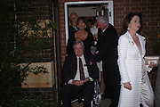 Mark Birley and Lady Annabel Goldsmith. Cartier dinner after thecharity preview of the Chelsea Flower show. Chelsea Physic Garden. 23 May 2005. ONE TIME USE ONLY - DO NOT ARCHIVE  © Copyright Photograph by Dafydd Jones 66 Stockwell Park Rd. London SW9 0DA Tel 020 7733 0108 www.dafjones.com