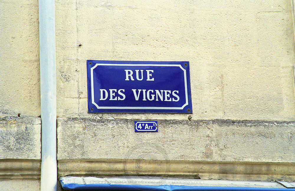 """Typical old French Blue Street sign in the old town in Bordeaux with white text: Rue des Vignes (""""Vine Street"""") in the 4th fourth arondissement district Bordeaux City, Bordeaux Gironde Aquitaine France Europe  Bordeaux Gironde Aquitaine France Europe"""
