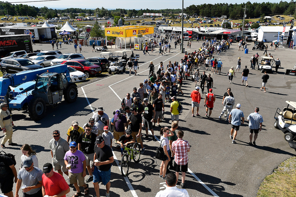 7-10 July 2016, Bowmanville, Ontario Canada<br /> Fans line up for grid walk, atmosphere<br /> ©2016, Scott R LePage <br /> LAT Photo USA
