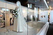 Beatrix opent tentoonstelling Máxima, 10 jaar in Nederland.//<br /> Queen Beatrix opens the exibition Maxima 10 years in the Netherlands<br /> <br /> Op de foto:<br /> <br />  De Trouwjurk van Maxima ontworpen door Valentino // The Wedding Dress of Maxima designed by Valentino