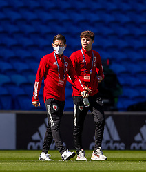 CARDIFF, WALES - Sunday, September 6, 2020: Wales' Liverpool duo Harry Wilson (L) and Neco Williams before the UEFA Nations League Group Stage League B Group 4 match between Wales and Bulgaria at the Cardiff City Stadium. (Pic by David Rawcliffe/Propaganda)