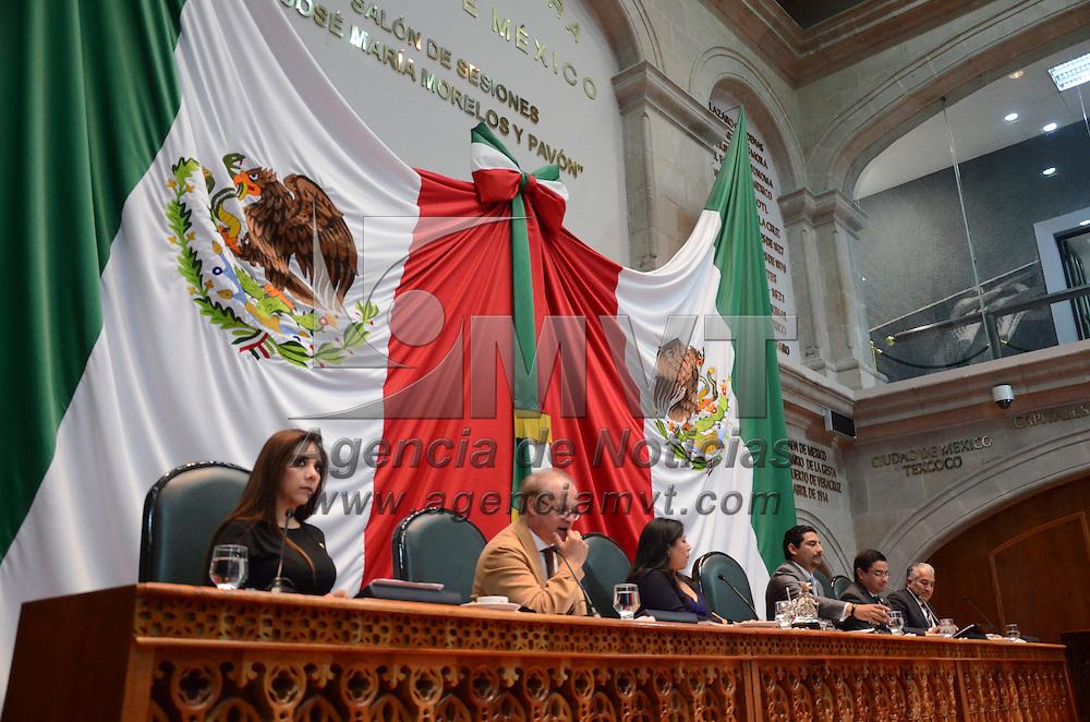 Toluca, México ( Octubre 20, 2016).- Aspectos de la sesión del primer periodo ordinario del segundo en la Cámara de diputado del Estado de México. Agencia MVT / Arturo Hernández.