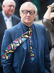 © Licensed to London News Pictures. 27/09/2016.  Chris Tarrant arrives for a Service of Thanksgiving for the Life and Work of Sir Terry Wogan at Westminster Abbey. Veteran broadcaster Sir Terry Wogan died in January 2016. The Irish star had a long and successful career at the BBC, including stints on  radio and TV. London, UK. Photo credit: Peter Macdiarmid/LNP