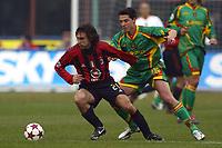 Fotball<br /> Serie A Italia 2004/2005<br /> Foto: Graffiti/Digitalsport<br /> NORWAY ONLY<br /> <br /> Mialno 6/1/2005<br /> <br /> Milan Lecce 5-2 <br /> Ac Milan midfielder Andrea Pirlo and Us Lecce Sasa Bjelanovic