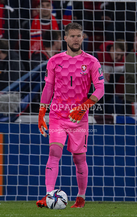 PRAGUE, CZECH REPUBLIC - Friday, October 8, 2021: Czech Republic's goalkeeper Tomáš Vaclík during the FIFA World Cup Qatar 2022 Qualifying Group E match between Czech Republic and Wales at the Sinobo Stadium. The game ended in a 2-2 draw. (Pic by David Rawcliffe/Propaganda)