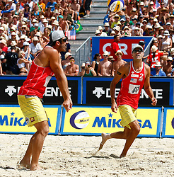 07.08.2011, Klagenfurt, Strandbad, AUT, Beachvolleyball World Tour Grand Slam 2011, im Bild Todd Rogers und Phil Dalhausser (USA), EXPA Pictures © 2011, PhotoCredit: EXPA/ Erwin Scheriau