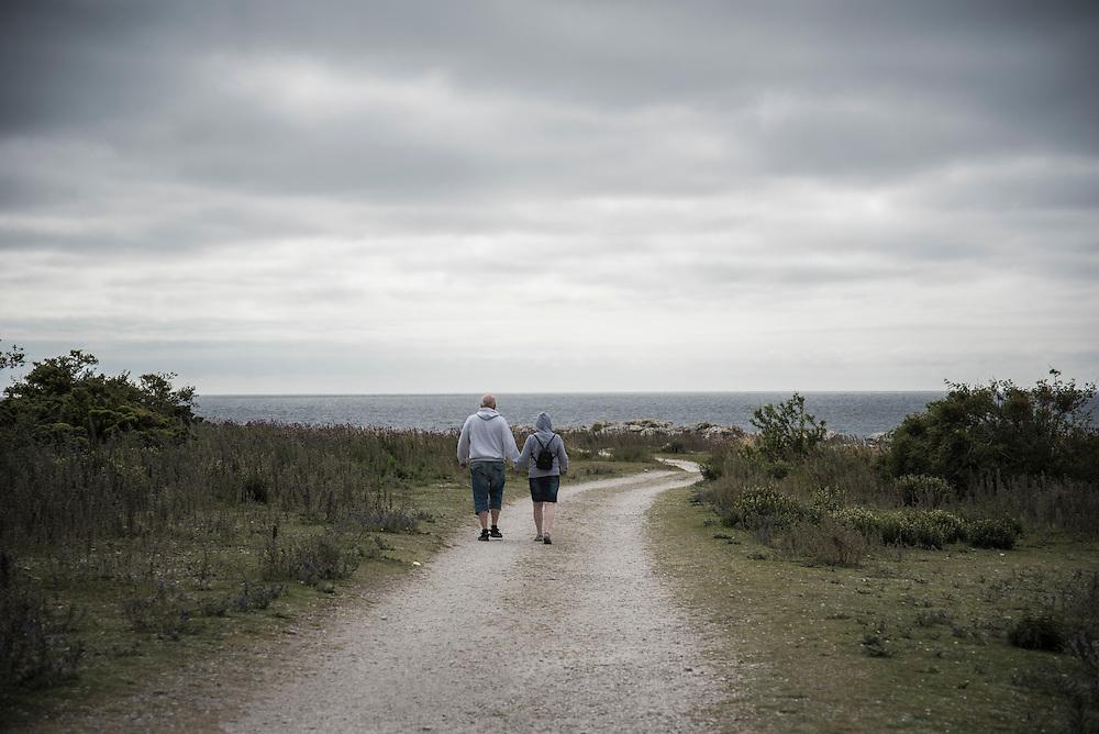 Vägen till Holmhällars raukområde och fiskeläge på södra Gotland.