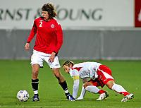 Fotball , 12. oktober 2007 , Landskamp U21 , Norge - Sveits , Reto Ziegler Sveits , Arnar Førsund Norge , Foto: Thomas Andersen , Digitalsport