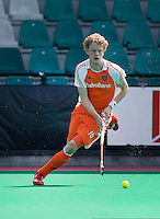 ROTTERDAM - HOCKEY -  Tim Jenniskens tijdens de oefenwedstrijd tussen de mannen van Nederland en Engeland (2-1) . FOTO KOEN SUYK