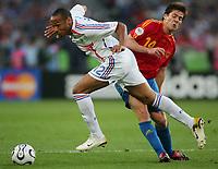 v.l. Thierry Henry, Alonso Xabi Spanien<br /> Fussball WM 2006 Achtelfinale Spanien - Frankreich<br /> Spania - Frankrike<br /> Norway only