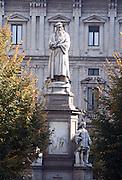 Italy, Milan, Statue of Leonardo da Vinci in Piazza della Scala