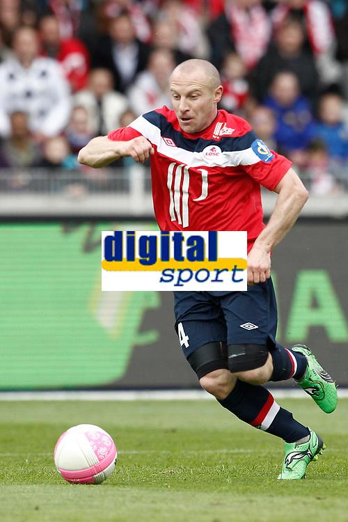 FOOTBALL - FRENCH CHAMPIONSHIP 2011/2012 - L1 - LILLE OSC v SM CAEN - 7/05/2012 - PHOTO CHRISTOPHE ELISE / DPPI - FLORENT BALMONT (LOSC)