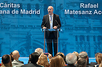 Former football player and coach Vicente del Bosque receives the Medalla de Oro de Madrid (Madrid´s golden medal) during the awards ceremony at Madrid´s city hall. May 5, 2014. (ALTERPHOTOS/Victor Blanco)