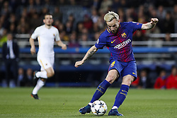 April 4, 2018 - Barcelona, Catalonia, Spain - April 4, 2018 - Barcelona, Spain - Uefa Champions League Quarter final first leg, FC Barcelona v AS Roma: Ivan Rakitic of FC Barcelona kicks the ball. (Credit Image: © Marc Dominguez via ZUMA Wire)