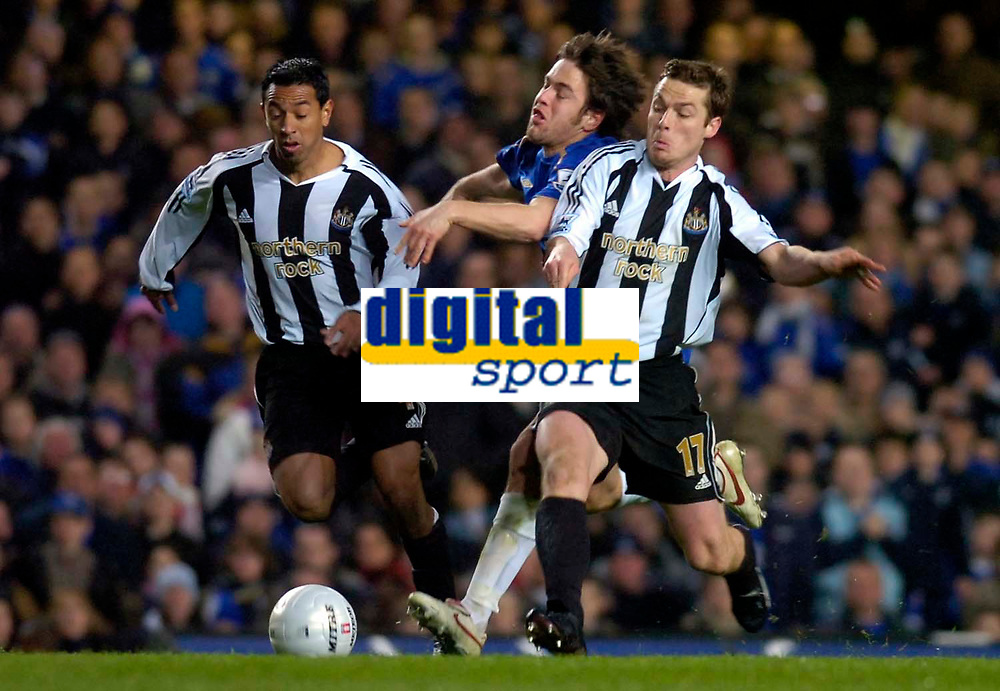 Photo: Alan Crowhurst.<br />Chelsea v Newcastle United. The FA Cup. 22/03/2006. Chelsea's Joe Cole (C) is squashed by Nobby Solano (L) and Scott Parker.