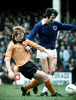 Willie Carr (Wolves) and  Jon Sammels (Leicester City), Leicester City v Wolves, 22/3/75. Credit: Colorsport.