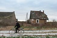 Im Winter ist Chudobczyce keine Idylle. Doch weitab von der Großstadt können die Männer bei Arbeit und geregeltem Alltag zur Ruhe kommen – ganz ohne Alkohol.