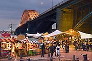 Nederland, Nijmegen, 28-6-2014Festival De Kaai is weer volop van start gegaan. Muziek, eten, recreatie, ontspanning, cultuur en theater op het festival de Kaai onder de waalbrug in de stad aan de rivier Waal ook tijdens de zomerfeestenFoto: Flip Franssen/Hollandse Hoogte