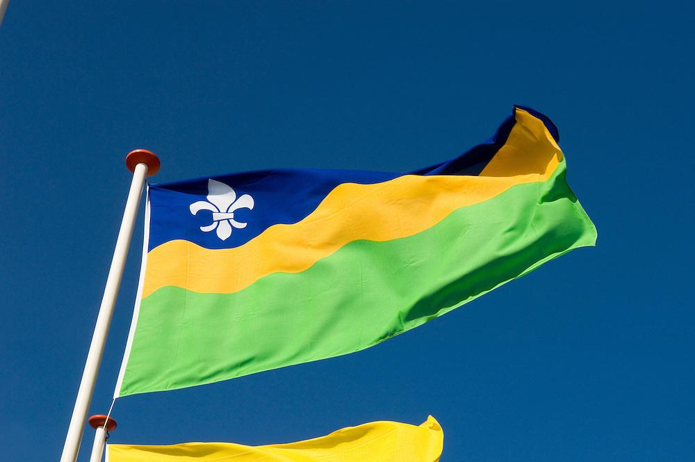 Nederland, Den Haag, 10 maart 2007<br />  <br /> Vlaggen van alle provincies wapperen in de wind bij Madurodam. <br /> Dit is de vlag van Flevoland<br /> provincie, vlag, provincies, provincien, vlaggen<br />  <br /> Foto: (c) Michiel Wijnbergh