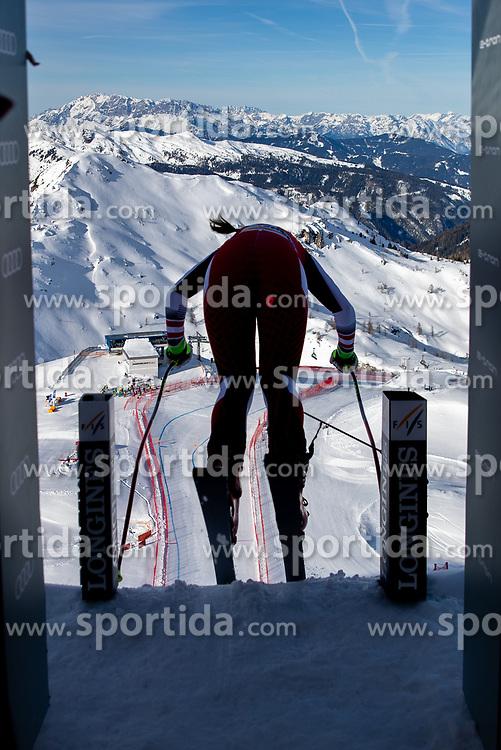 09.01.2020, Keelberloch Rennstrecke, Altenmark, AUT, FIS Weltcup Ski Alpin, Abfahrt, Damen, 1. Training, im Bild Übersicht aus dem Starthaus // view from the Start in action during her 1st training run for the women's Downhill of FIS ski alpine world cup at the Keelberloch Rennstrecke in Altenmark, Austria on 2020/01/09. EXPA Pictures © 2020, PhotoCredit: EXPA/ Johann Groder