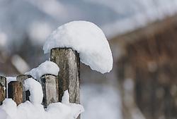 THEMENBILD - Neuschnee auf einem Holzzaun, aufgenommen am 06. Februar 2020 in Kaprun, Oesterreich // Fresh snow on a wooden fence, in Kaprun, Austria on 2020/02/06. EXPA Pictures © 2020, PhotoCredit: EXPA/Stefanie Oberhauser