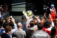 MOTORSPORT - F1 2013 - BRITISH GRAND PRIX - GRAND PRIX D'ANGLETERRE - SILVERSTONE (GBR) - 28 TO 30/06/2013 - PHOTO : FREDERIC LE FLOC'H / DPPI<br /> ROSBERG NICO (GER) - MERCEDES GP MGP W04 - AMBIANCE PORTRAIT£