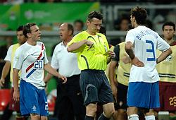 25-06-2006 VOETBAL: FIFA WORLD CUP: NEDERLAND - PORTUGAL: NURNBERG<br /> Oranje verliest in een beladen duel met 1-0 van Portugal en is uitgeschakeld / BOULAHROUZ Khalid krijgt de rode kaart van scheidsrechter Ivanov<br /> ©2006-WWW.FOTOHOOGENDOORN.NL