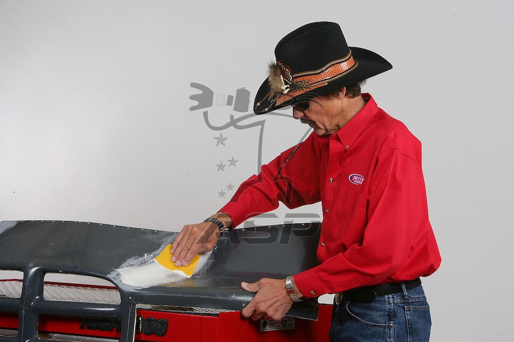 Randleman, NC - Jan 18, 2006:  The 2006 Elmers Glue on location photoshoot at Richard Petty Motorsports in Randleman, NC.