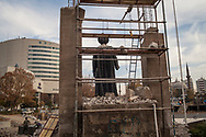 A statue of an Ottoman sultan is being constructed in a park as part of the refurbishment of Kayseri's historic buildings, and the creation of a museum.