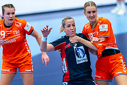 Merel Freriks of Netherlands, Heidi Loke of Norway, Kelly Dulfer of Netherlands in action during the Women's EHF Euro 2020 match between Netherlands and Norway at Sydbank Arena on december 10, 2020 in Kolding, Denmark (Photo by RHF Agency/Ronald Hoogendoorn)