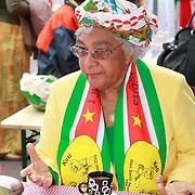 NLD/Amsterdam/20130701 - Keti Koti Ontbijt 2013 op het Leidse Plein, Surinaamse dame