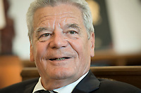 10 SEP 2014, BERLIN/GERMANY:<br /> Joachim Gauck, Bundespraesident, während einem Interview, im Amtszimmer des Bundespraesidenten, Schloss Bellevue<br /> IMAGE: 20141010-03-051<br /> KEYWORDS: Bundespräsident