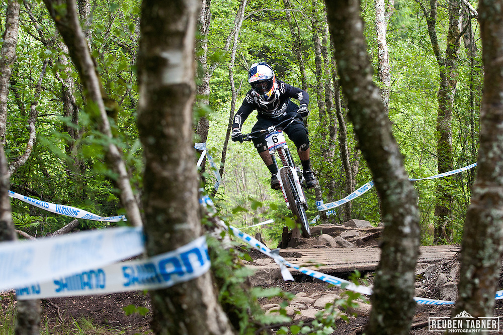 © Reuben Tabner. .Fort William, Scotland, UK  04/06/11. .Steve Smith in the woods during qualifying for the downhill..2011 UCI Mountain Bike World Cup, Fort William, Scotland. Please see special instructions for usage rates. Photo credit should read: Reuben Tabner