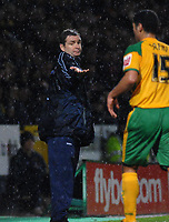 Photo: Ashley Pickering.<br />Norwich City v Queens Park Rangers. Coca Cola Championship. 30/12/2006.<br />Norwich manager Peter Grant can't believe the weather
