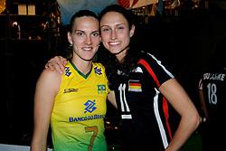 23-08-2009 VOLLEYBAL: WGP FINALS CEREMONY: TOKYO <br /> Brazilie met Marianne Steinbrecher op de foto met Christiane Furst wint de World Grand Prix 2009 <br /> ©2009-WWW.FOTOHOOGENDOORN.NL