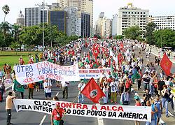 Passeata pela Paz abre as programações do II Forum Social Mundial, em Porto Alegre. FOTO: Jefferson Bernardes/Preview.com