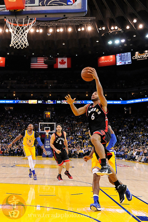 November 17, 2015; Oakland, CA, USA; Toronto Raptors guard Cory Joseph (6) shoots a layup during the fourth quarter against the Golden State Warriors at Oracle Arena. The Warriors defeated the Raptors 115-110.