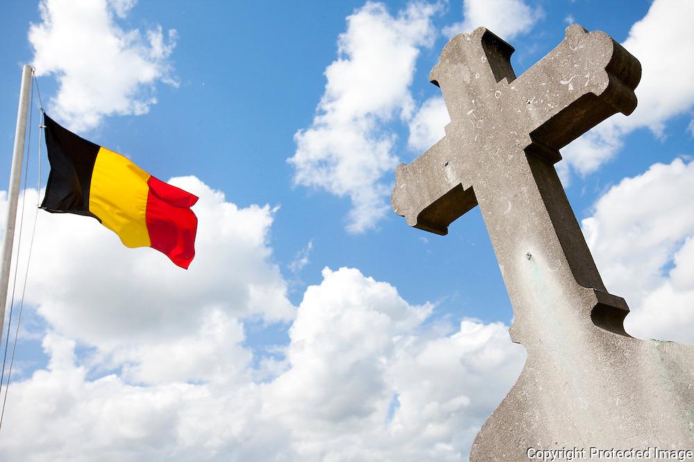 359798-inwijding van grafmonument van adelijke schriekse familie op kerkhof Schriek