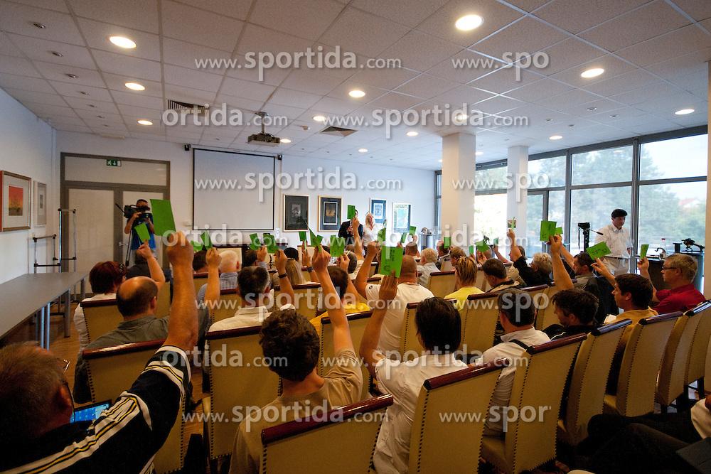 Glasovanje na skupscini Hokejske zveze Slovenije, on September 7, 2011, in Ljubljana, Slovenia. (Photo by Matic Klansek Velej / Sportida)