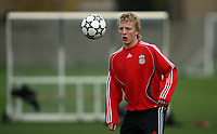 Photo: Paul Thomas.<br /> Liverpool Training session. UEFA Champions League. 21/11/2006.<br /> <br /> Dirk Kuyt.