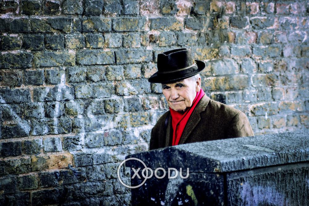 East London gentleman, London, England (April 2005)