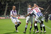 Fotball<br /> Nederland / Holland<br /> Foto: ProShots/Digitalsport<br /> NORWAY ONLY<br /> <br /> den haag, 09-11-2008, ado - heerenveen<br /> bonaventura kalou (21) viert zijn 0-1 doelpunt met danijel pranjic (r), kristian bak nielsen (l) en tarik elyounoussi (m)