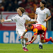 Galatasaray's Wesley Sneijder (R) during their UEFA Champions League Quarter-finals, Second leg match Galatasaray between Real Madrid at the TT Arena AliSamiYen Spor Kompleksi in Istanbul, Turkey on Tuesday 09 April 2013. Photo by Aykut AKICI/TURKPIX